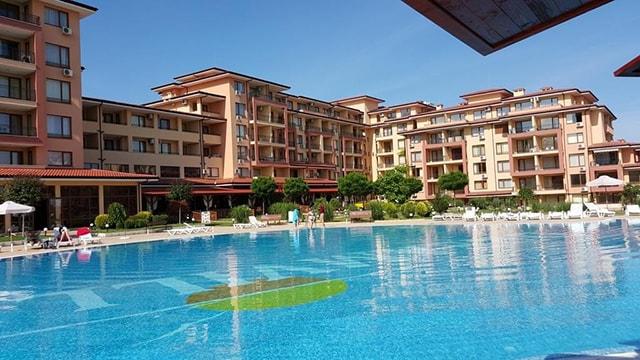 Самые лучшие комплексы для проживания в Болгарии с семьей или одному
