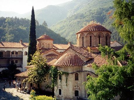 Самые комфортные места отдыха и курорты в Болгарии для пенсионеров
