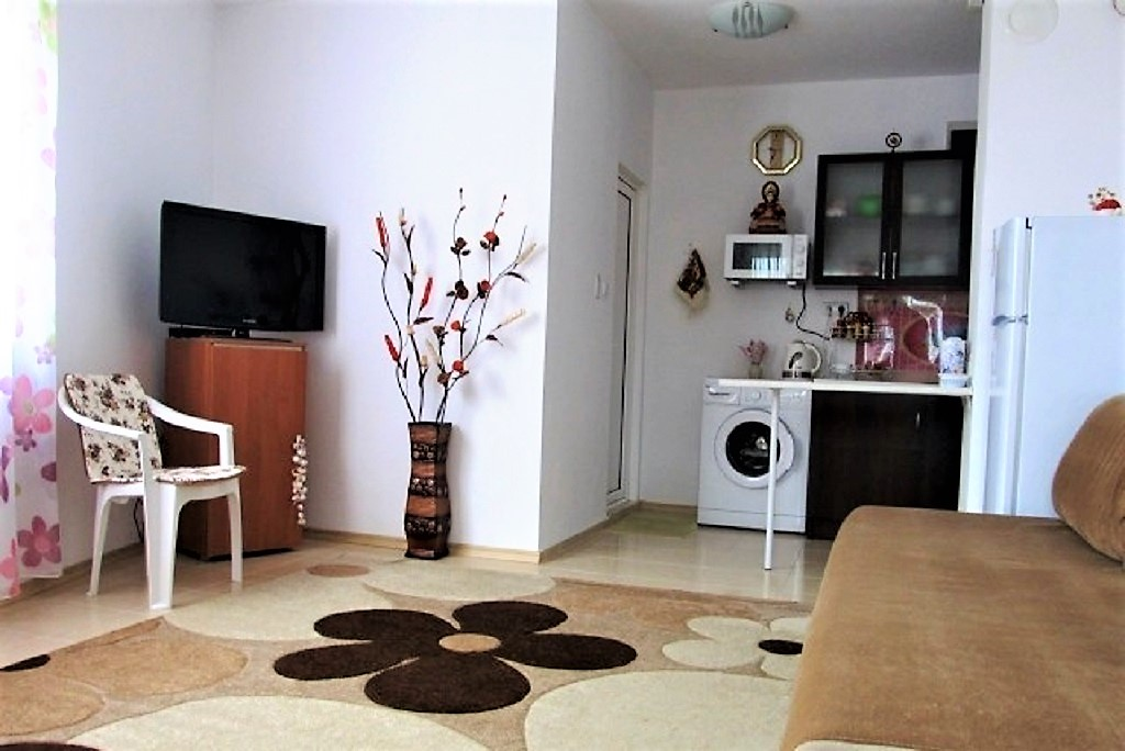 e6ea1f265986c ID1052 Студия с собственным двориком в жилом доме, Поморие купить в ...