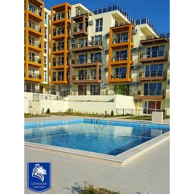 """ID462 Просторная трехкомнатная квартира с видом на море в комплексе """" Милана 3 """" в Бяла"""