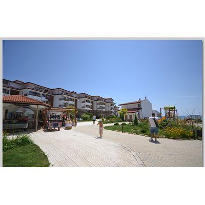 """ID779 Двухкомнатная квартира с видом на море в комплексе """" Робинзон Бич """" Елените<br><span style=""""color: #2cbde1;"""">Елените</span>"""