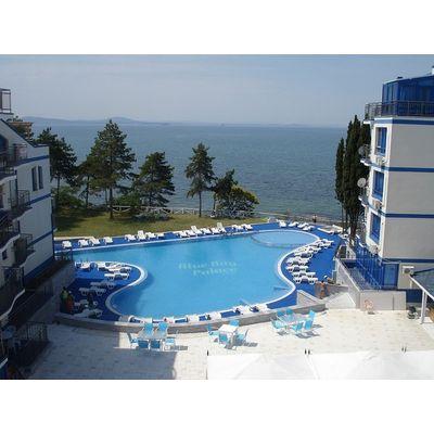 "ID776 Апартаменты с видом на море в комплексе "" Блу Бей Палас "" Поморие"