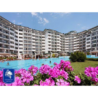 """ID30 Квартира - студия с видом на море в комплексе"""" Emerald Beach Resort & Spa """"  Равда"""