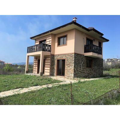 ID1316 Новый двухэтажный  дом с участком земли в с. Кошарица