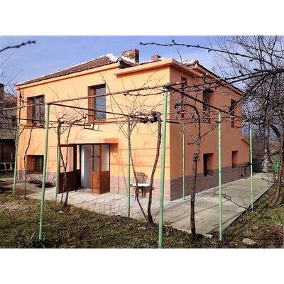 ID1406 Дом с участком земли, с.Гълъбец