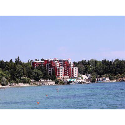 """ID1408 Двухкомнатная квартира с видом на море в комплексе """" Рич 1 """" Несебр"""