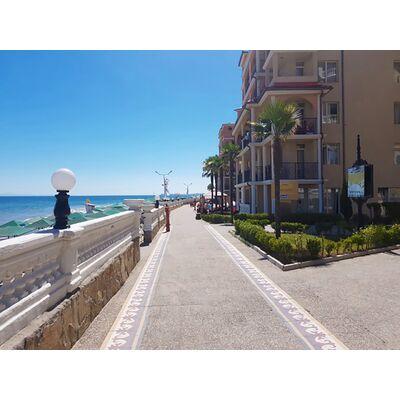 "ID18 Двухкомнатная квартира  в апарт - комплексе"" Atrium Beach ""<br><span style=""color: #2cbde1;"">Елените</span>"
