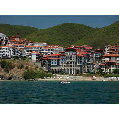 "ID489 Апартамент с тремя спальнями и видом на море в комплексе "" Этера 1 "", Святой Влас"