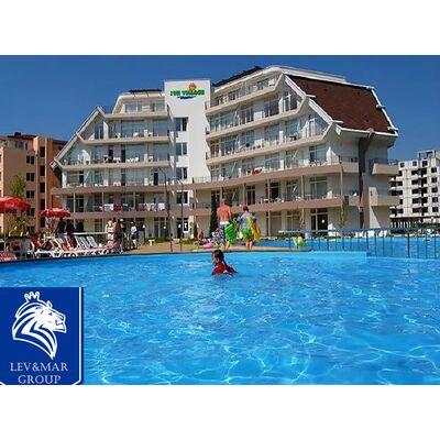 """ID201 Трехкомнатная квартира с большой террасой в комплексе"""" Sun Village """" в центральной части курорта Солнечный берег, Солнечный берег"""