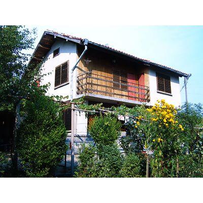 ID1908 Двухэтажный дом с участком земли, с.Маломир