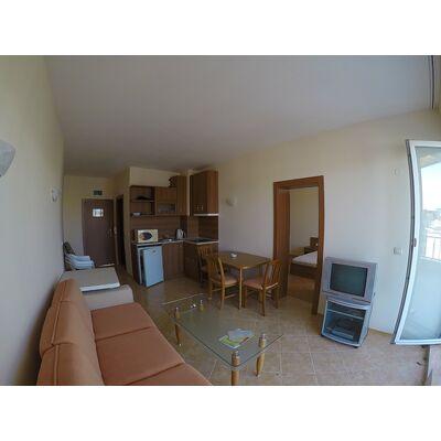 "ID1920 Двухкомнатная квартира в комплексе ""Сансет Бич 1"", Солнечный берег"