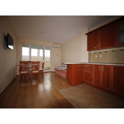 ID1952 Двухкомнатная квартира в жилом доме, Равда