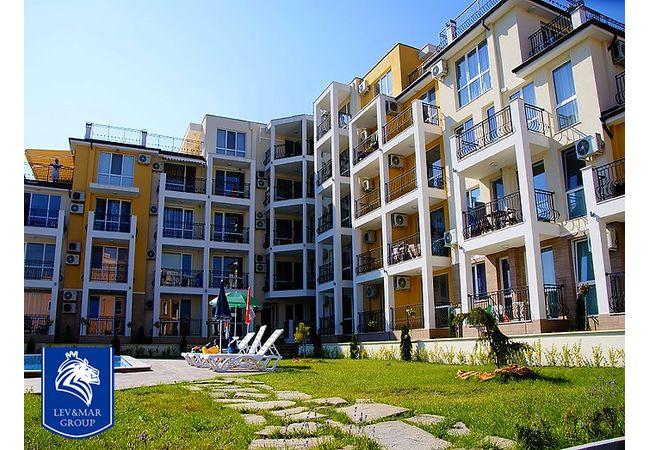 """ID459 Трехкомнатная квартира  в комплексе """" Галерия 3 """", Бяла"""