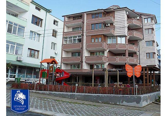 "ID569 Апартамент с одной спальней и видом на море в жилом доме "" Вилла Бригантина "" Равда, Равда"