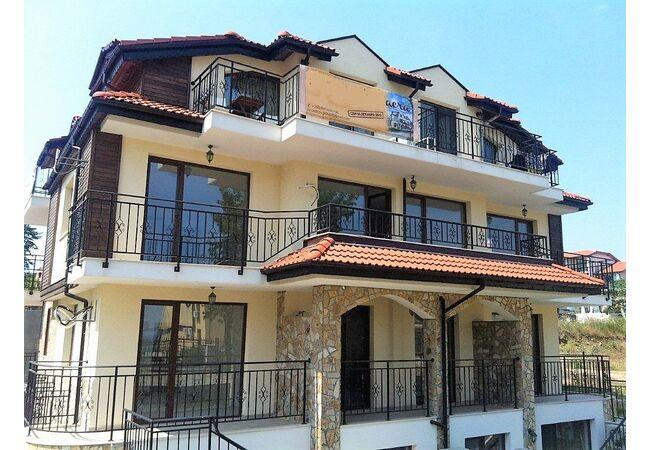 "ID752 Апартаменты в комплексе "" Вилла Сакра "", Созополь"