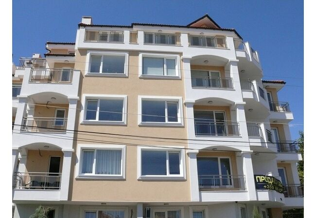 "ID806 Апартаменты с двумя спальнями в комплексе "" Вилла Глория "", Равда"