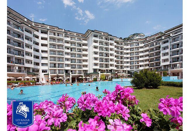 """ID30 Квартира - студия  в комплексе"""" Emerald Beach Resort & Spa """", Равда"""