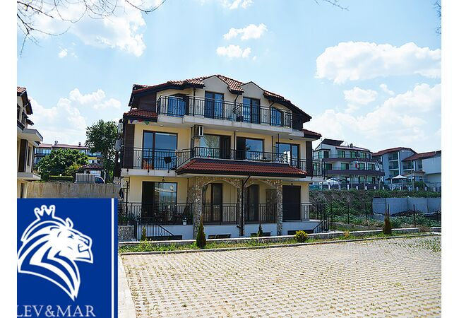 """ID329 Четырехкомнатная квартира в комплексе """"Вилла Сакра"""", Созополь"""
