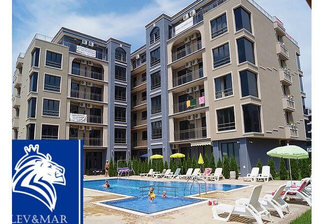 ID344Трехкомнатная квартира в комплексе Вип Классик в Солнечном береге, Солнечный берег
