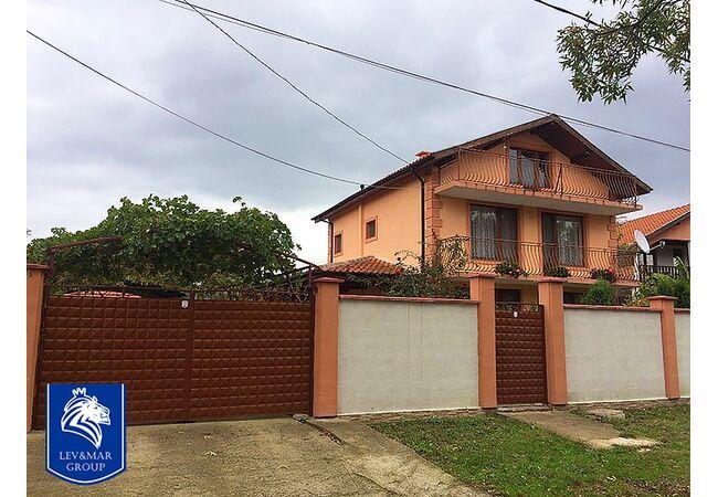 ID121 Дом с участком земли, с.Оризари