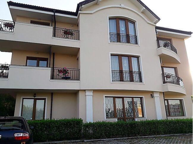 "ID624 Апартаменты с одной спальней и видом на море в жилом доме "" Blue Roses ""  Бяла<br><span style=""color: #2cbde1;"">Бяла</span>"
