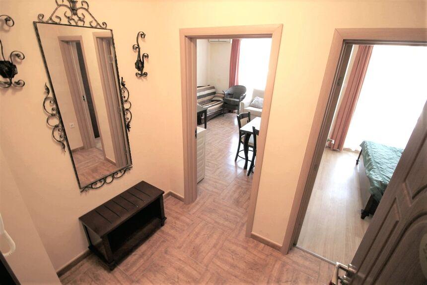 ID1174 Двухкомнатная квартира в комплексе Роял Бэй 2
