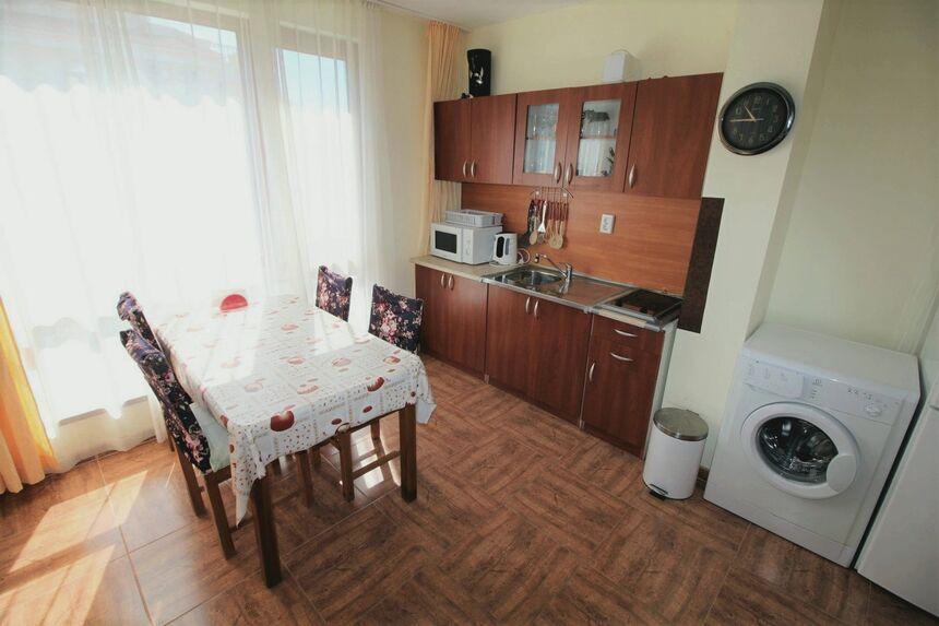 ID59 Двухкомнатная квартира в комплексе Роял Бэй 2