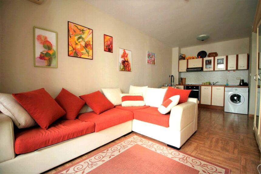 ID4110 Двухкомнатная квартира в комплексе Роял Бэй