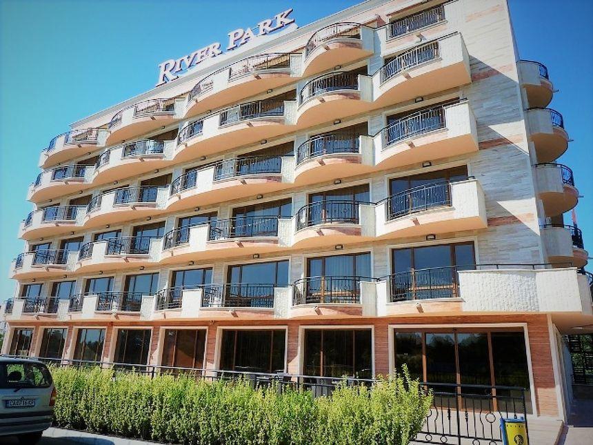 "ID766 Апартамент с двумя спальнями в комплексе "" Ривер Парк """