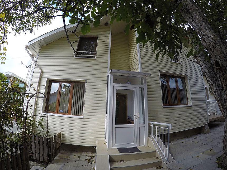 ID149 Двухэтажный дом с участком земли