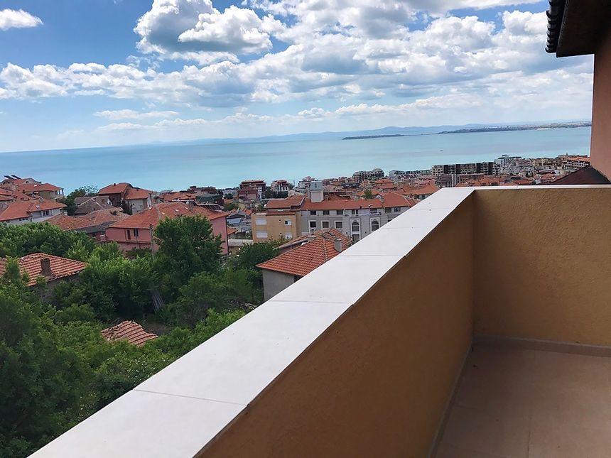 ID504 Апартаменты с тремя спальнями и видом на море
