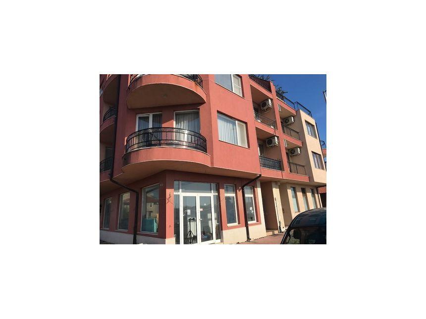 ID393 Двухкомнатная квартира в жилом доме в Несебре