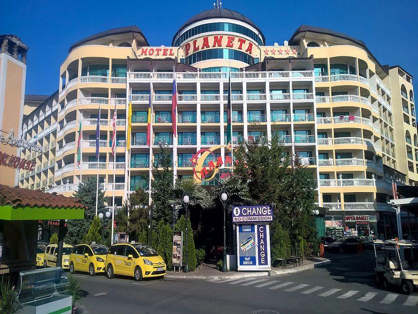 ID1857 Двухкомнатная квартира в апарт-отеле Планета