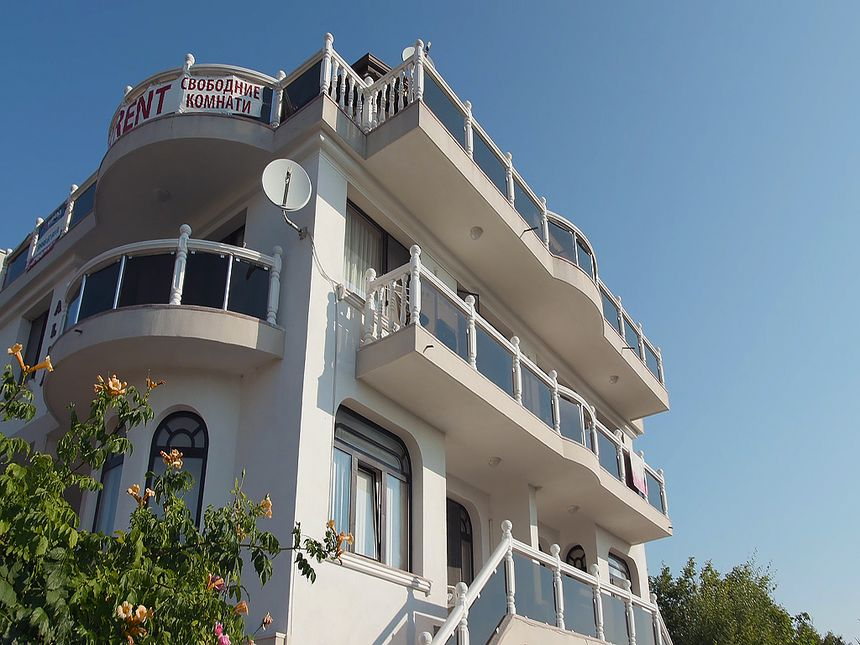 ID2123 Действующий отель в курортном поселке