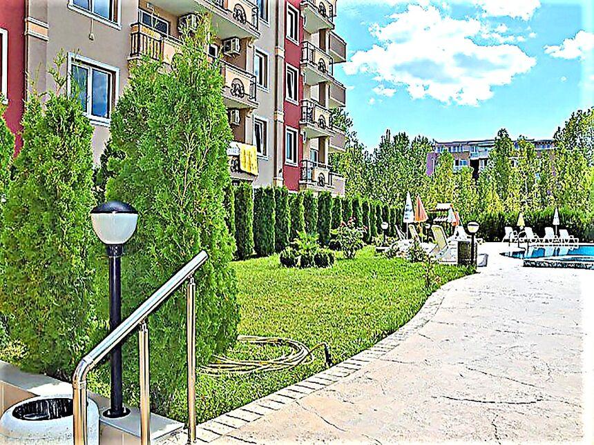 ID235 Двухкомнатные апартаменты в комплексе ВиП Зона