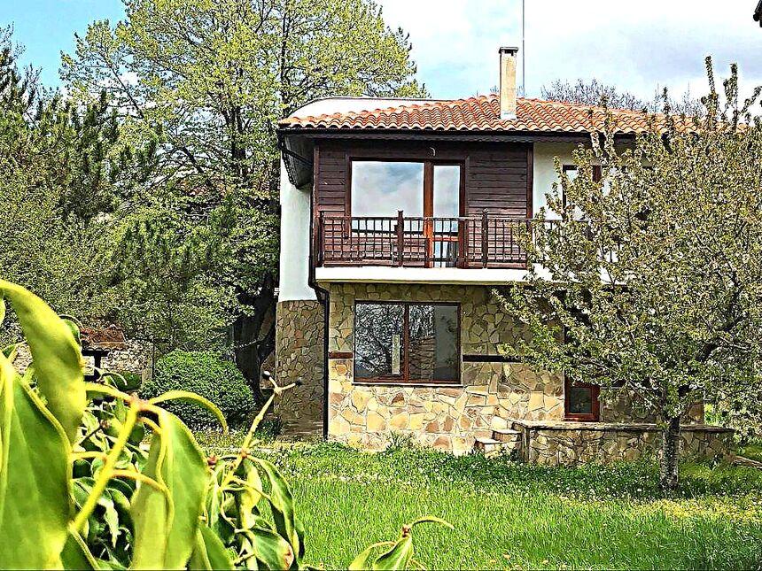 ID270 Двухэтажный дом с участком земли в Горица